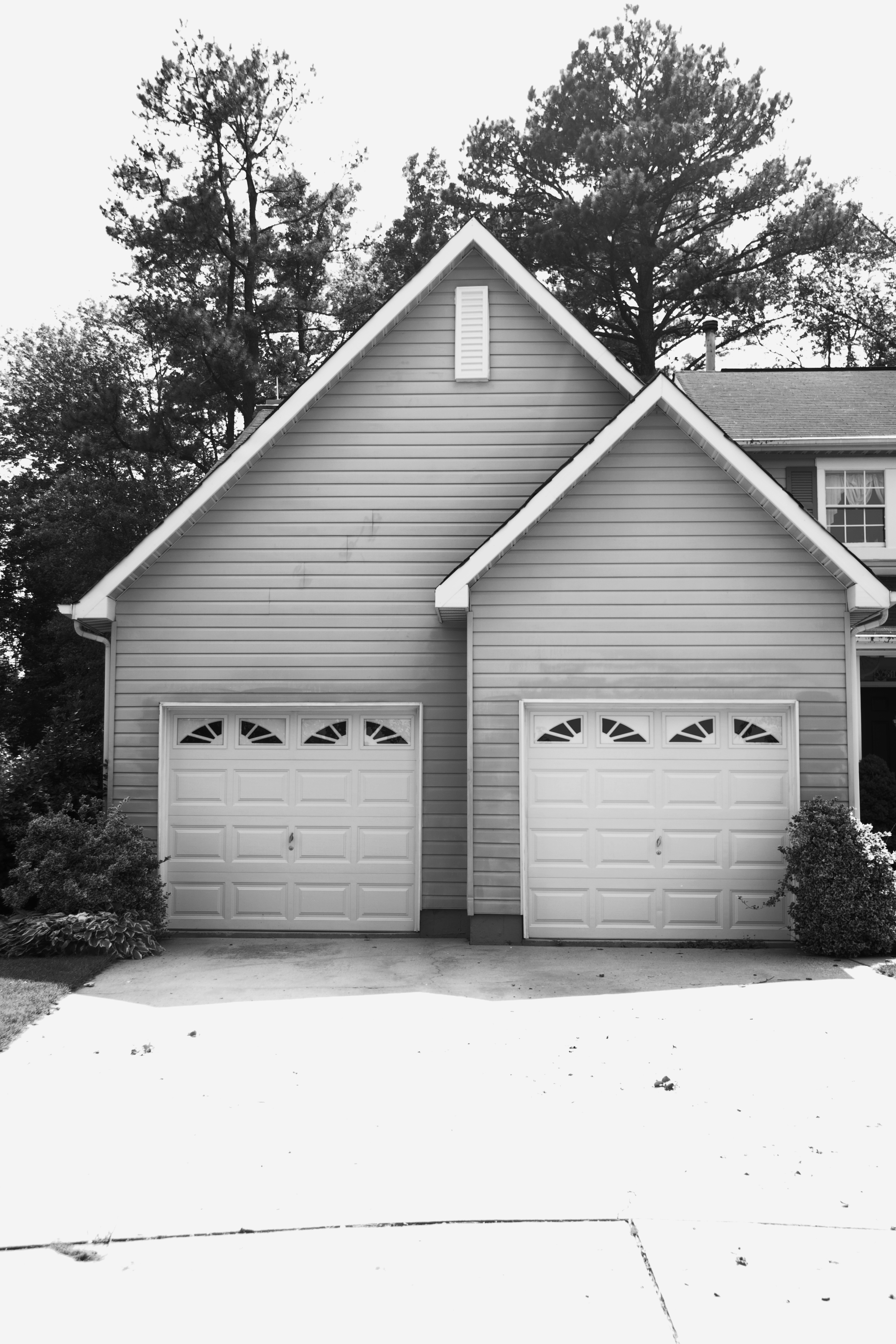 3504 #303030 Tour Of Riley's House Everything Has Changed. picture/photo Everything Garage Doors 37292336